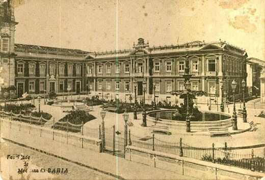 Faculdade de Medicina reconstruída  depois do incêndio que   destruiu  parte   das instalações em 1905. (Fonte: www.medicina/ufba/br)
