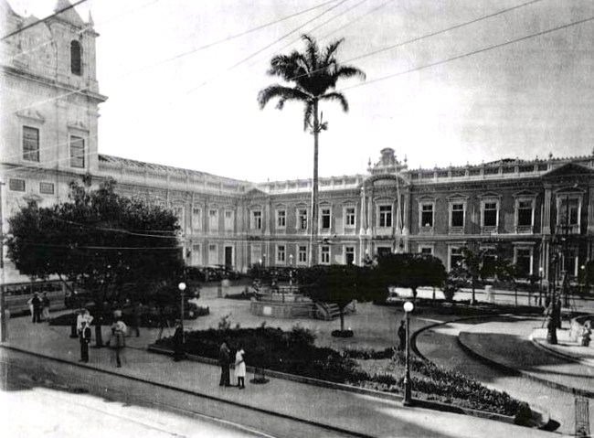 Faculdade de Medicina da Bahia, no Terreiro de Jesus, palco fundador da medicina no país