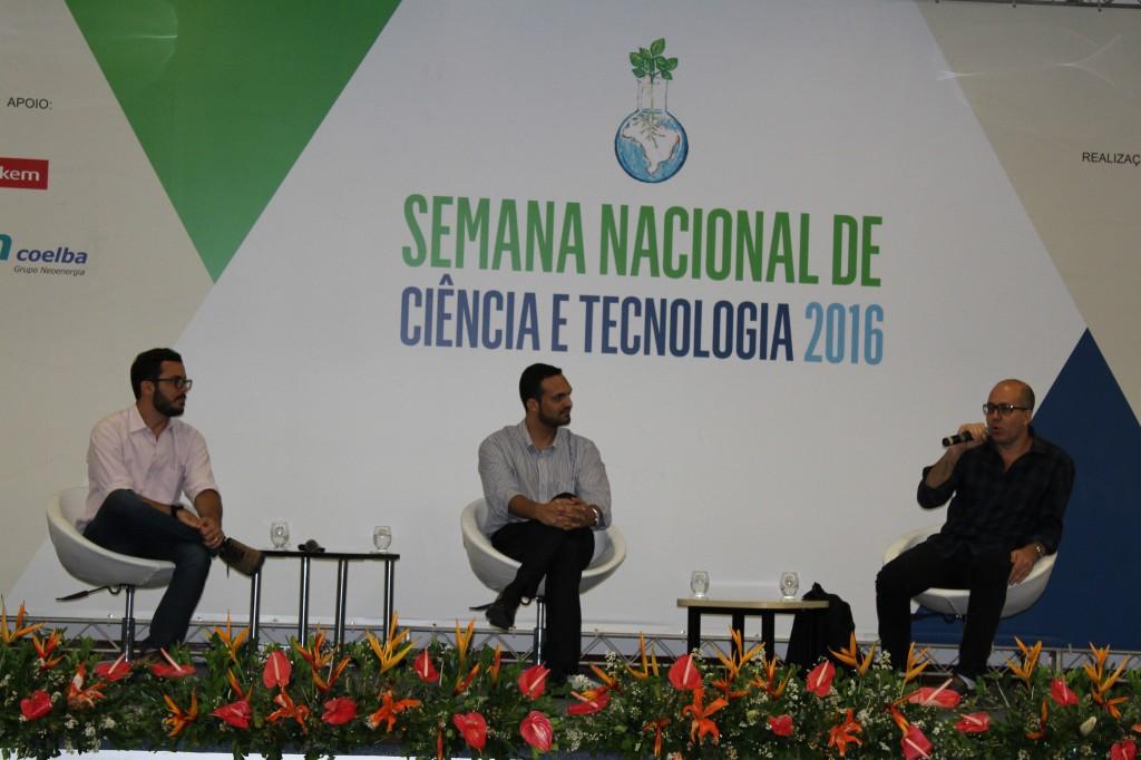 Vicente Aguiar, Rodrigo Paolilo e Hugo Sabá durante a paletra (Foto: Emile Conceição)iclo de Seminário Zika Vírus e Microcefalia