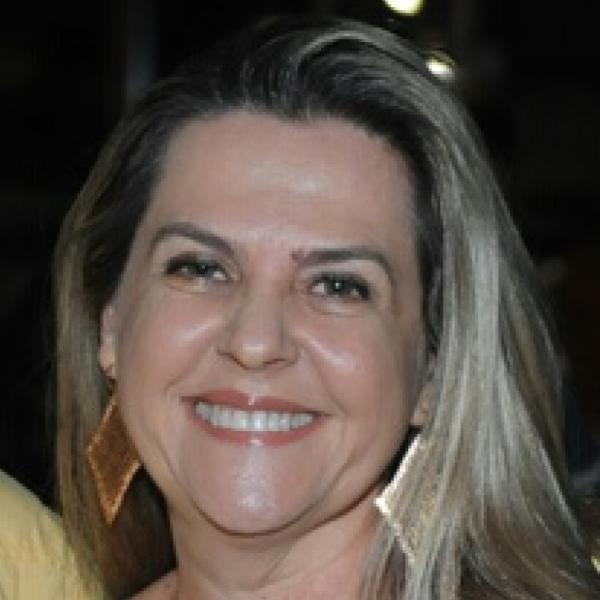 Cássia Dolores Costa Lopes